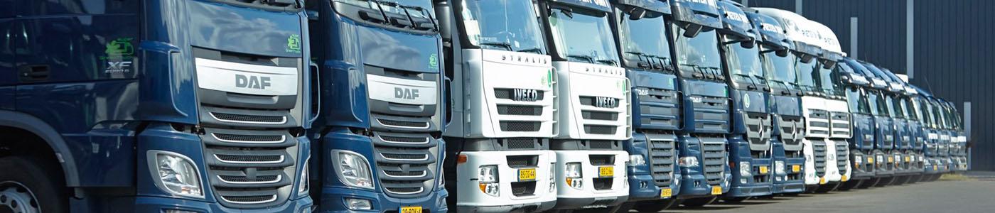 vrachtwagens-op-rij-pieter-smit