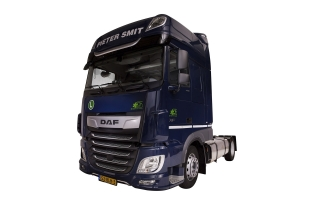 Tractor DAF XF - Mercedes Benz Actros