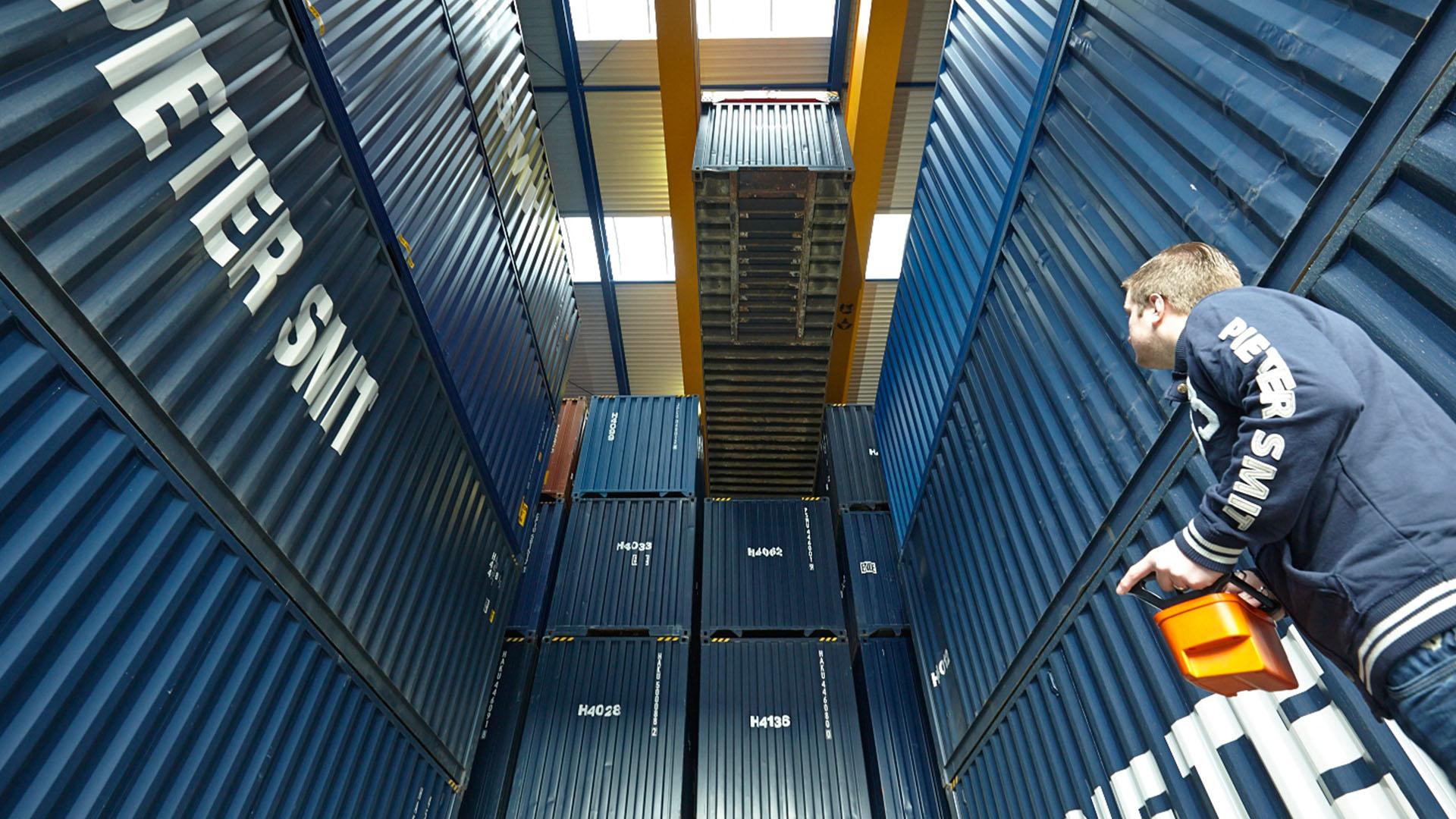 warehousing-tile